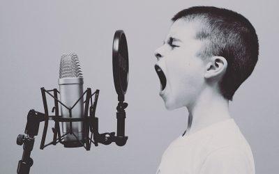 Svømmere i glad kakofoni